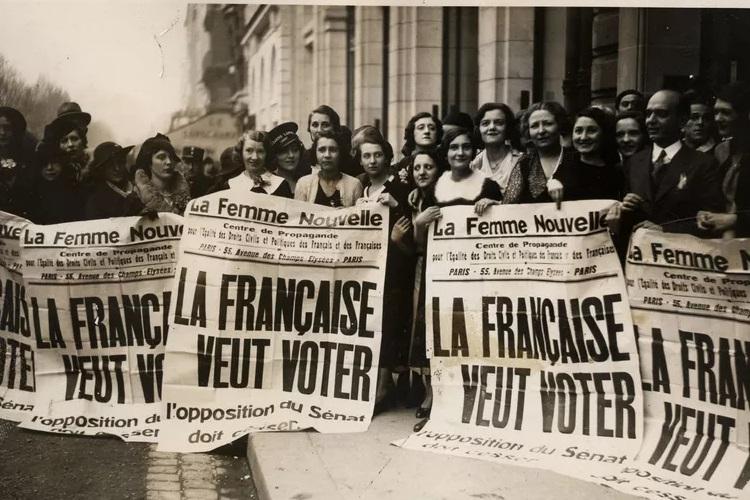Les femmes dans la chanson française